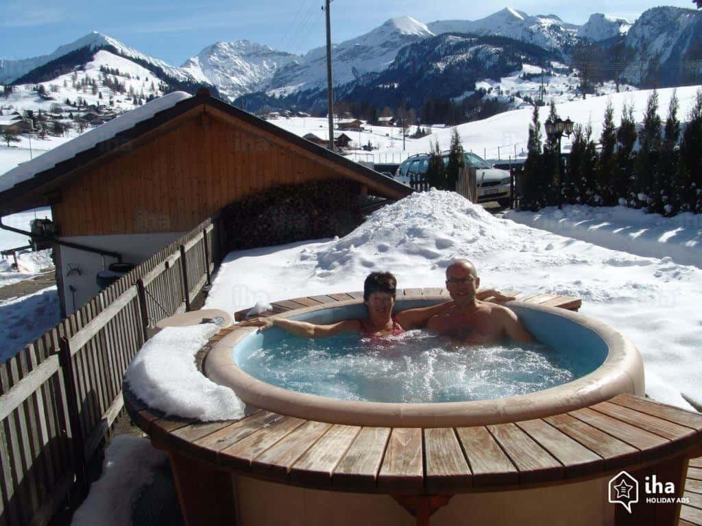 Bild Intex Whirlpool 2 Personen im Winter