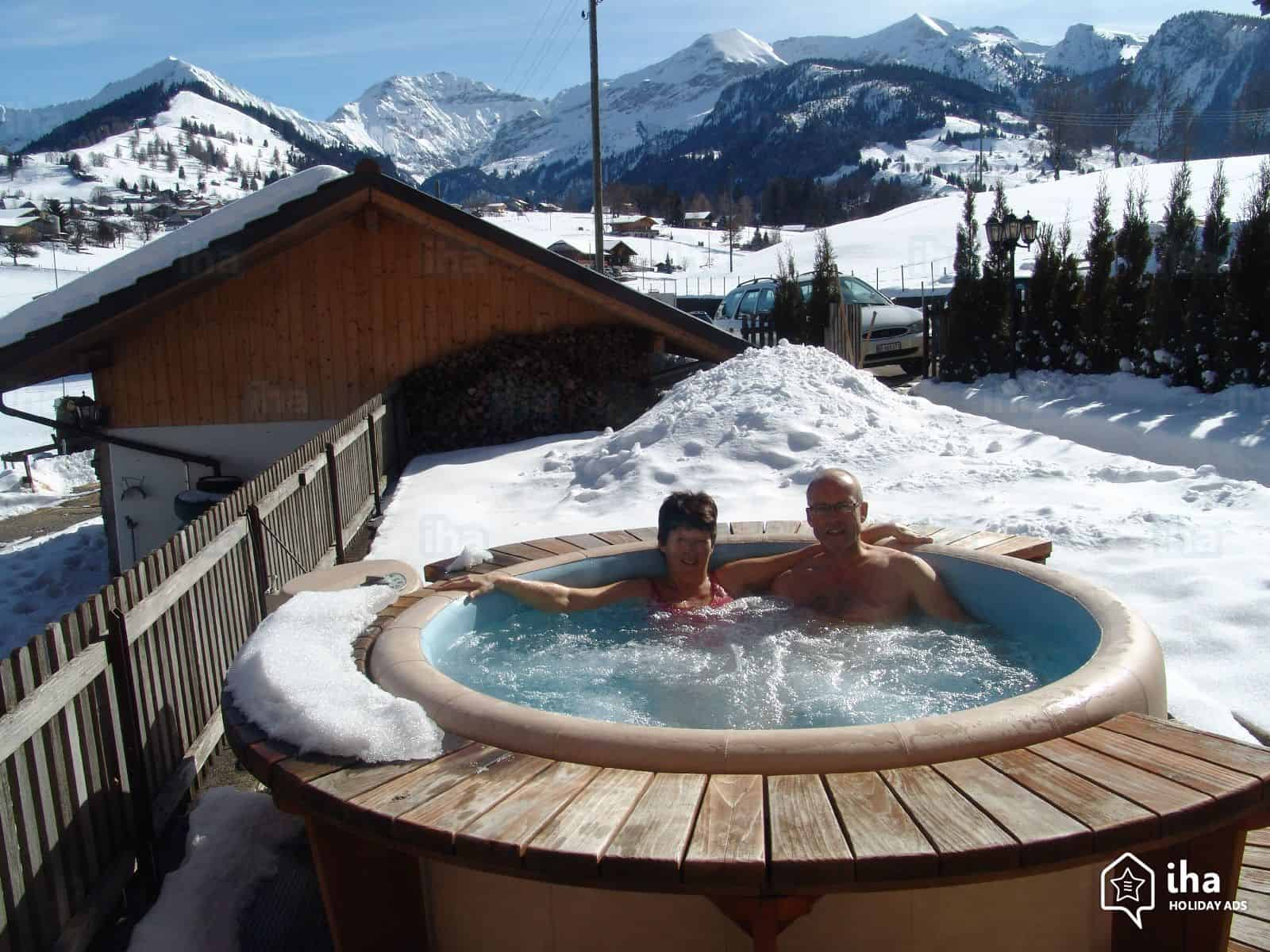 Bild Intex Whirlpool 2 Personen im Winter