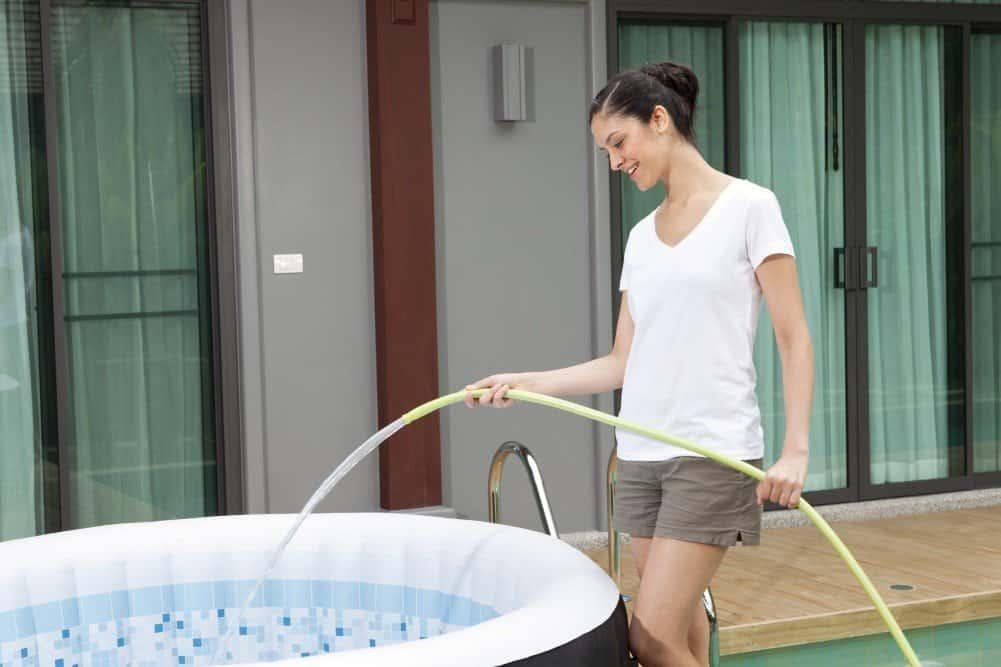 Layzspa Wasserbefüllung